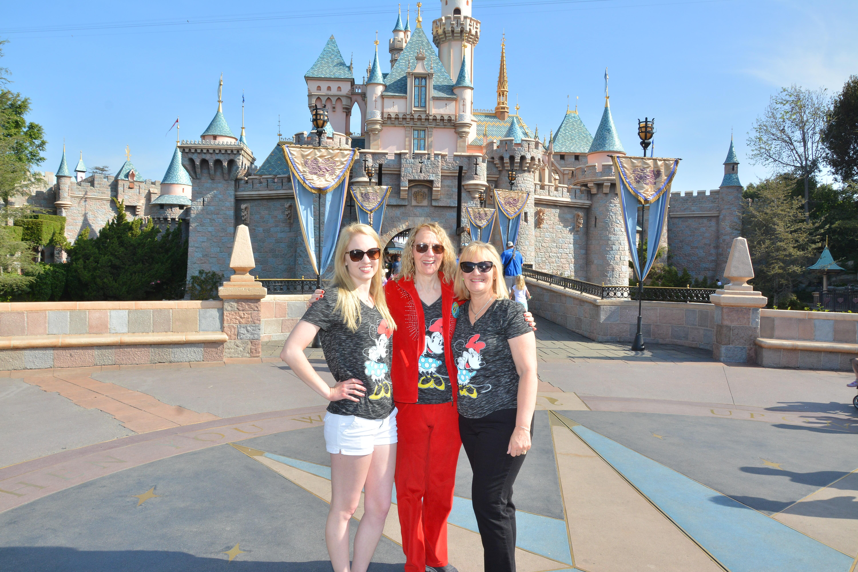 PhotoPass_Visiting_Disneyland_Park_8224179002