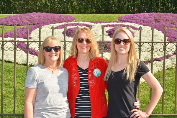 PhotoPass_Visiting_Disneyland_Park_8224497904
